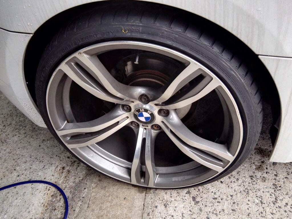 Z4タイヤ交換